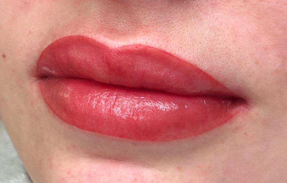татуаж контура губ кайлом фото подрозетники многим признакам